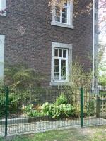 201304-kinderspielplatz-gitter-2