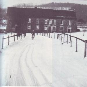 RE1-Seite31-Alte-Schule