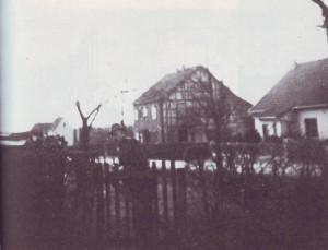 RE1-Seite37-Haus-Emonts
