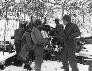 Schw. US Artillerie in Rott_klein